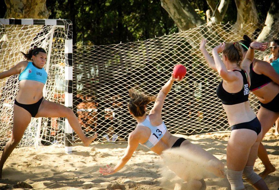 Productivo sábado de beach handball para las mayores y juveniles argentinas