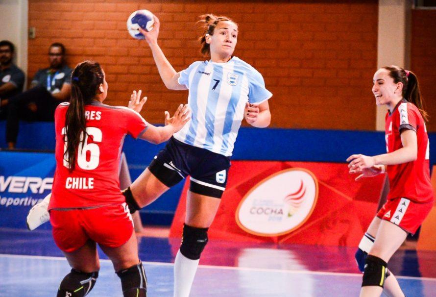"""Contundente triunfo argentino ante Chile para quedarse con la cima del Grupo """"B"""" mientras espera por su rival en semis"""